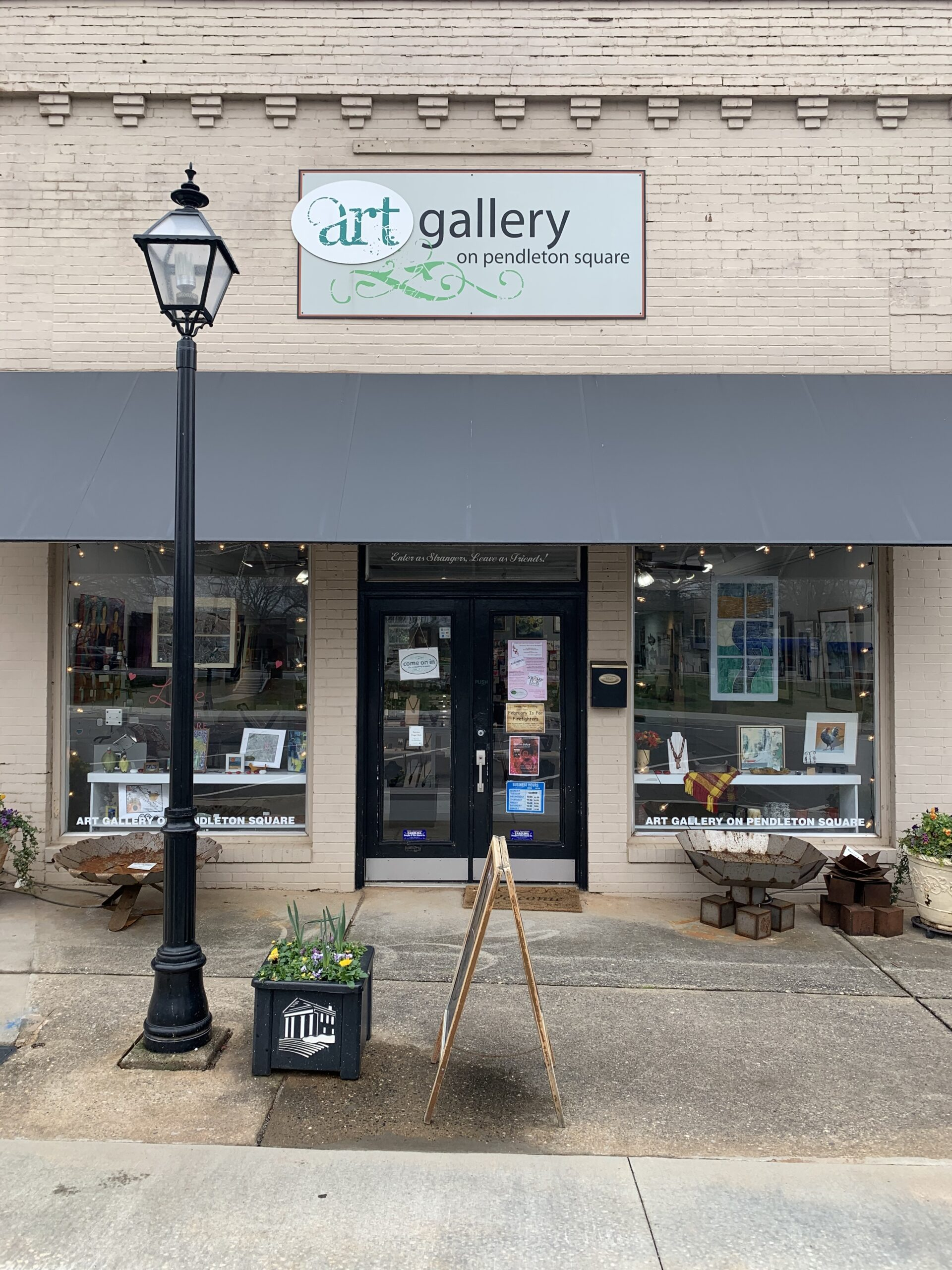 Art Gallery on Pendleton Square storefront